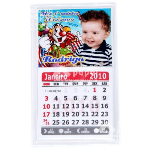 calendário com imã arte no papel lembrancinhas personalizadas com foto
